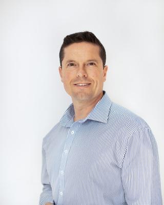 Dr Ian Riley