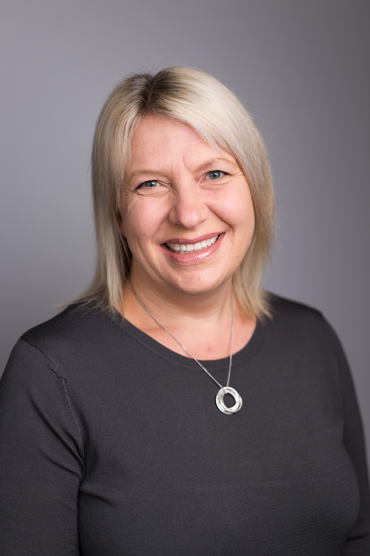 Dr Rebecca Loundar
