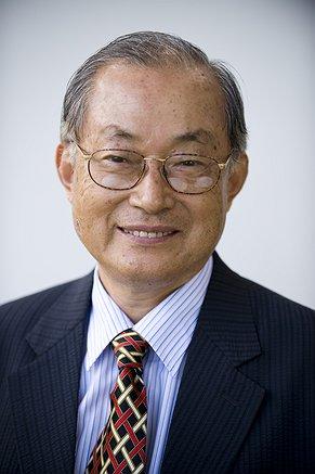 Photo of Dr David Kwon