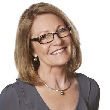 Portrait of Dr Jennie Bickmore-Brand